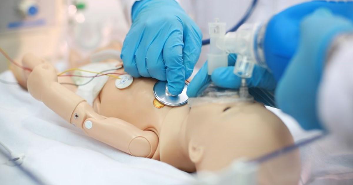 بسته آموزشی احیای قلبی ریوی نوزادان برای پرستاران و دانشجویان علوم پزشکی